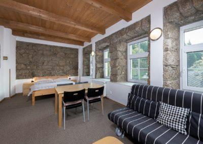 Jizerské hory ubytování penzion Solaris - apartmán č.2 obývací pokoj
